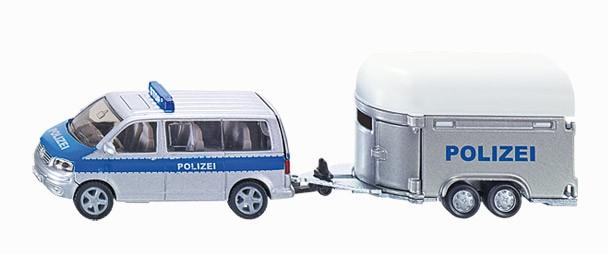 Polizeiauto mit Pferde-Transport-Anhänger